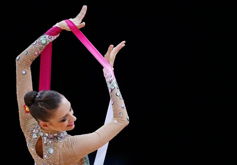 Evgeniya Kanaeva Profile (3/6)