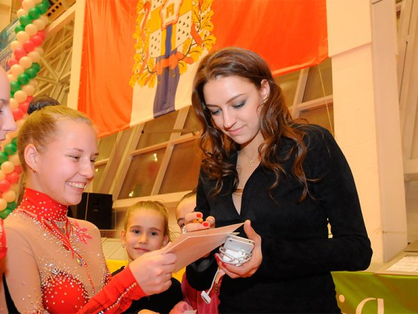 17. Evgenia Kanaeva-Galina Gorenkova memorial Cup-OMSK-07Dec2012-Large-without watermark