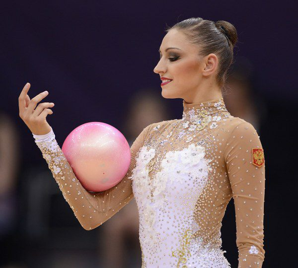 Evgenia Kanaeva-London 2012-by FIG