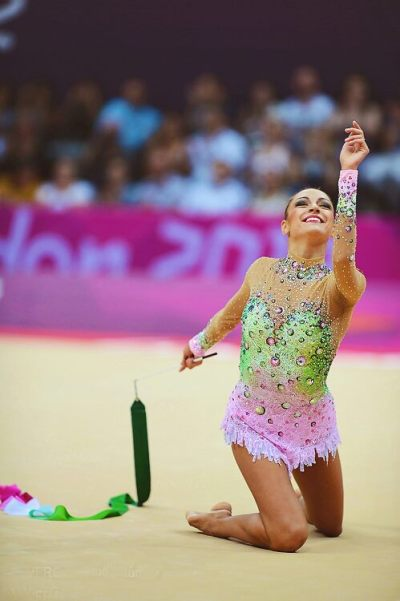 Evgenia Kanaeva-Ribbob-AA final-London 2012 by Perlle - Photographie