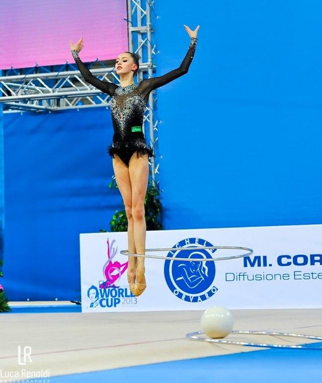 Maria Titova-Hoop-WC Pesaro 2013-by Luca Renoldi