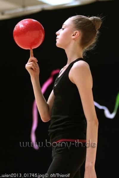 Maria Titova-Training-EC Vienna 2013-26