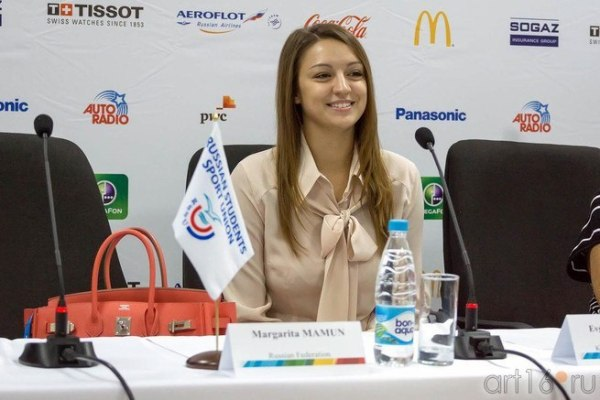 Zhenya-press conference-Universiade Kazan 2013-04